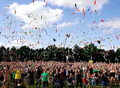 Action Adults Celebration 433452