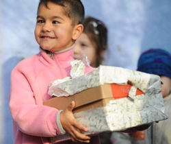 Shoe box appeal sends 118,000 boxes