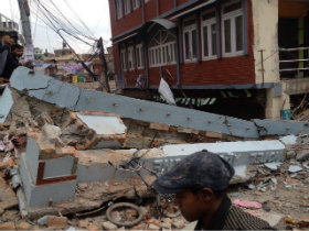 Aid continues as Nepal suffers second quake